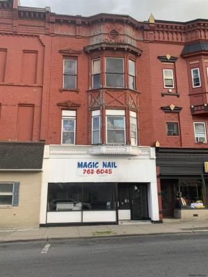 8 E Main St, Johnstown, NY 12095