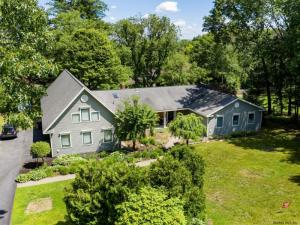 4 Orchard Dr, Queensbury, NY 12804