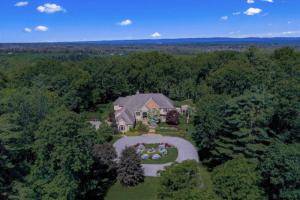 9 Winding Brook Dr, Saratoga Springs, NY 12866-6488