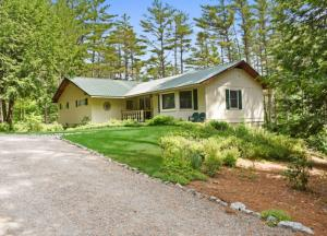 273 Stage Coach Rd, Chestertown, NY 12817