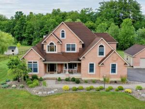 915 Shardon Ct, Schenectady, NY 12306-6719