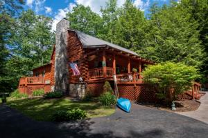 119 Chuckwagon Tr, Lake Lazurne, NY 12846