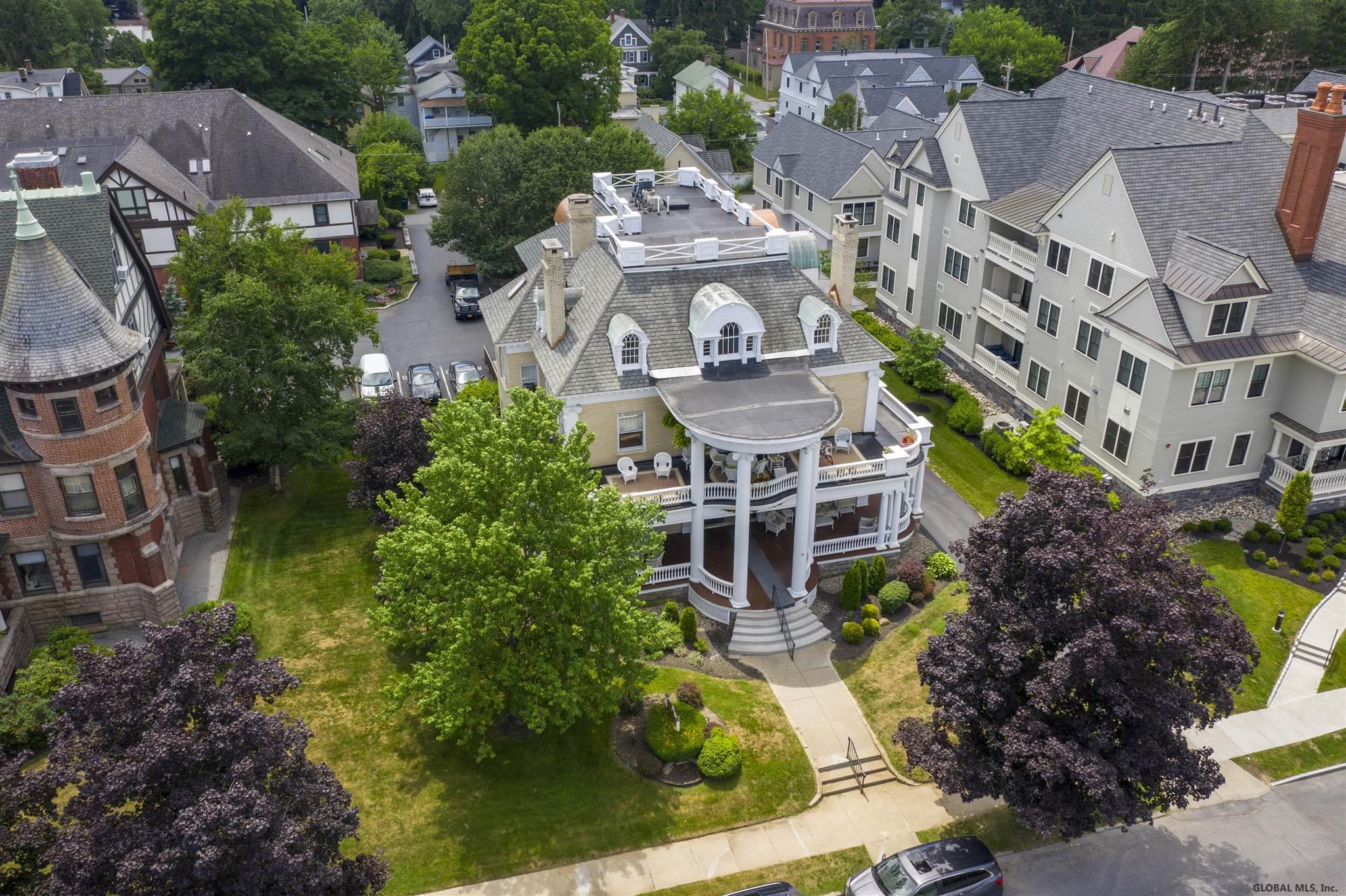 Saratoga S image 20