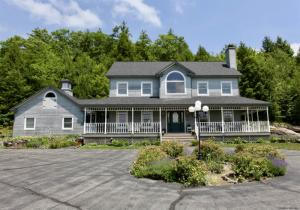 191 Thomas Rd, Lake Luzerne, NY 12846