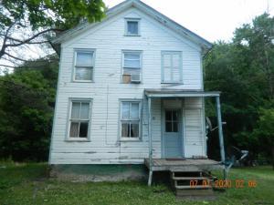 28 Chittenden Rd, Hudson, NY 12534