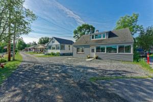 107 Point Breeze Rd, Saratoga Springs, NY 12866