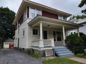 19 Hunter St, Glens Falls, NY 12801