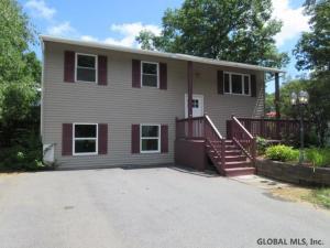 36 Ferndell Spring Dr, Saratoga Springs, NY 12866