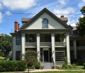 125 Union Av, Saratoga Springs, NY 12866