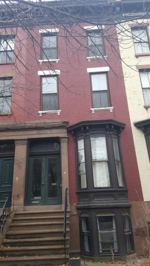 4 Irving Pl, Troy, NY 12180