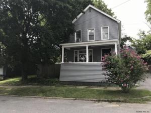 189 Maple Av, Saratoga Springs, NY 12866
