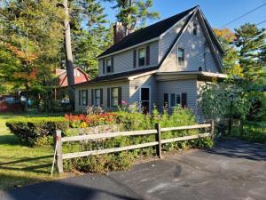 1332 Lake Ave, Lake Luzerne, NY 12846