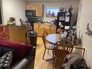539 Bloomingrove Dr, North Greenbush, NY 12144