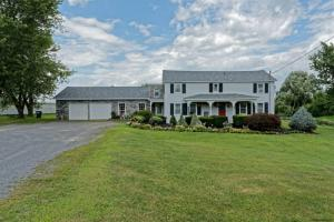 1146 Quackenbush Rd, Schenectady, NY 12306