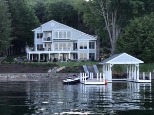 4216 Lake Shore Dr, Diamond Point, NY 12814