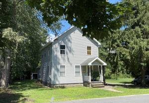 196 Sanford St, Glens Falls, NY 12801