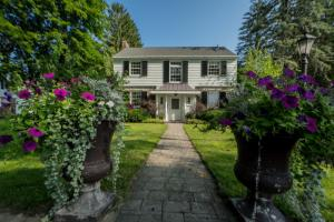 59 Fifth Av, Saratoga Springs, NY 12866