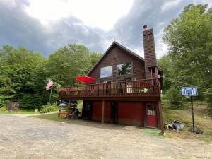 348 Hayesburg Rd, Brant Lake, NY 12815