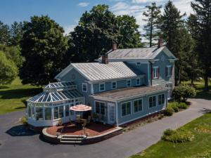 46 Broad St, Kinderhook, NY 12106