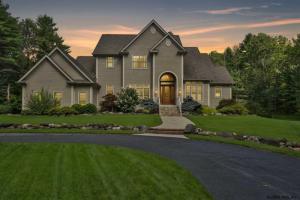 9 Kircher Rd, Saratoga Springs, NY 12866