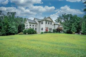 124a Ingersoll Rd, Saratoga Springs, NY 12866