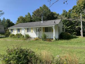 35 Church Rd, Middleburgh, NY 12147