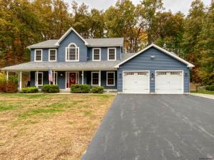 83 Round Pond Rd, Queensbury, NY 12804