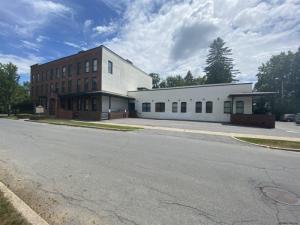 7 Wells St, Saratoga Springs, NY 12866