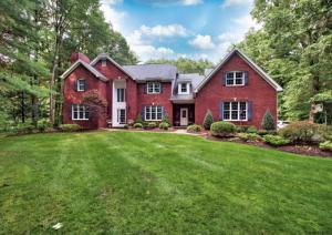 20 Rolling Brook Dr, Saratoga Springs, NY 12866