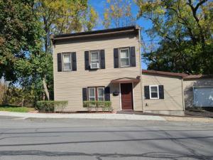 59 Mansion St, Coxsackie, NY 12051