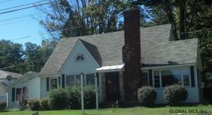 555 Maple Av, Saratoga Springs, NY 12866