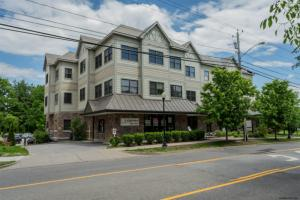 120 West Av, Saratoga Springs, NY 12866
