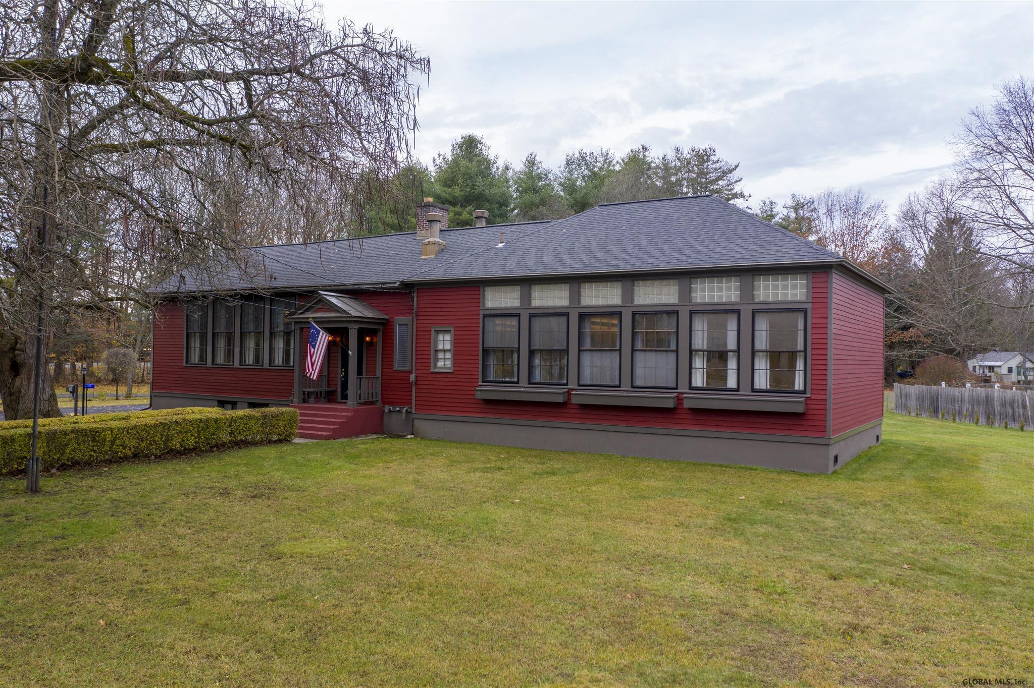 Saratoga S image 9