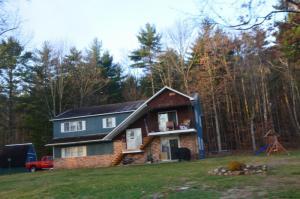 150 Pine Springs Dr, Ticonderoga, NY 12883