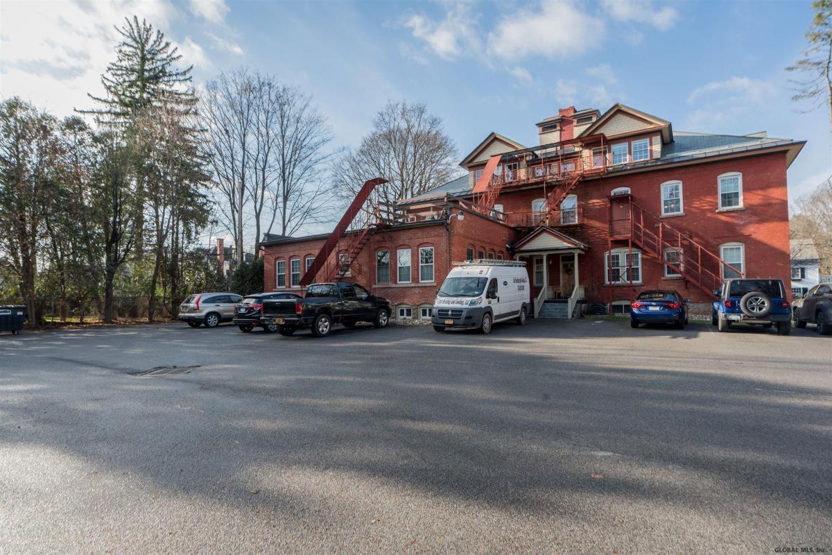 Saratoga S image 19