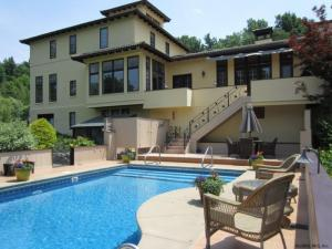 70 Coons Rd, Troy, NY 12180