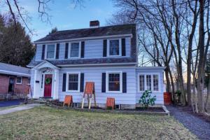 39 Webster Av, Glens Falls, NY 12801