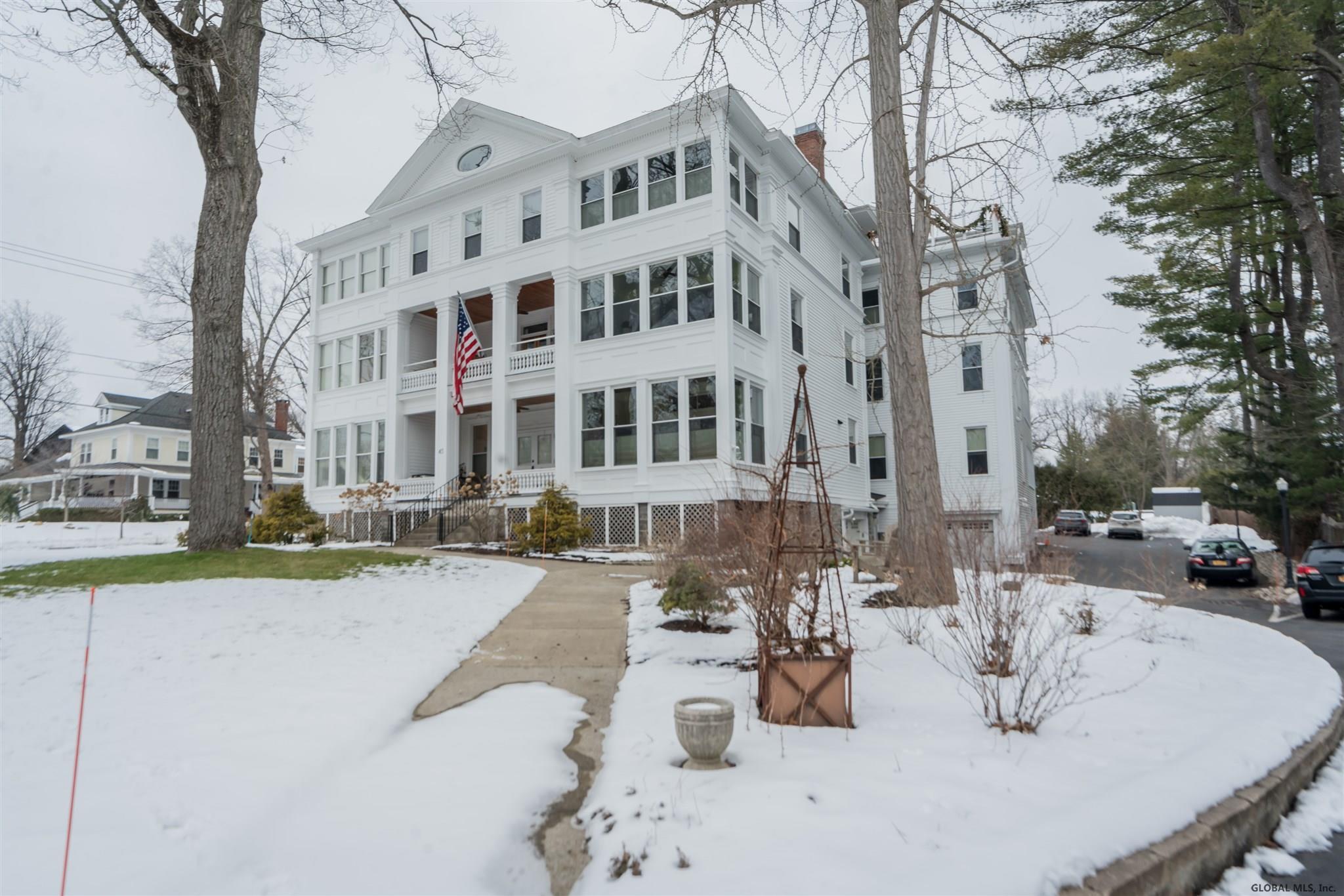 Saratoga S image 2
