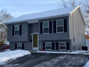 26 Woodard St, Glens Falls, NY 12801