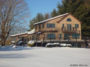 777 Bunker Hill Rd, Mayfield, NY 12117
