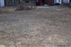 581 6th Av, Watervliet, NY 12189