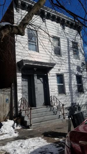 293 1st St, Albany, NY 12206