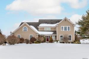 16 Masters Common South, Queensbury, NY 12804