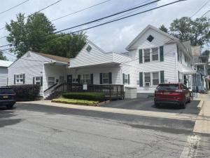 178 Elm St, Saratoga Springs, NY 12866