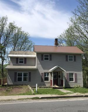 41 North St, Granviile, NY 12832