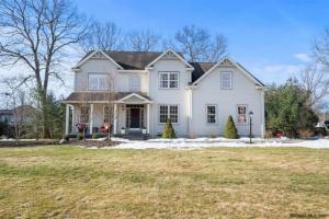 3 Royal Henley Ct, Saratoga Springs, NY 12866
