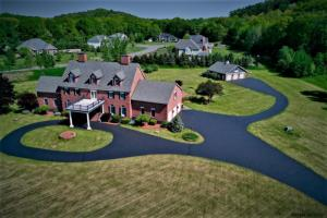 12 Estate Dr, Castleton, NY 12033