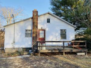 14 Oak St, Niverville, NY 12130