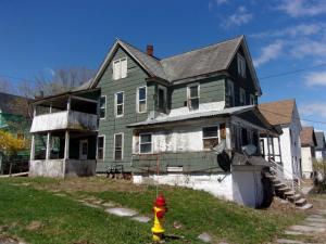 9 Whitmore Av, Johnstown, NY 12095