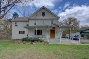 494 Maple Av, Saratoga Springs, NY 12866
